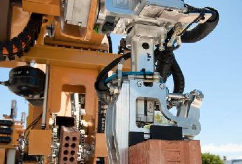 робот строитель SAM
