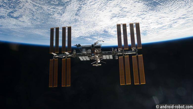 Космонавты возьмут наМКС иконы ирезинового дракончика