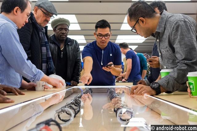 Продажи Apple Watch по результатам 3-го квартала следующего года упали на70%