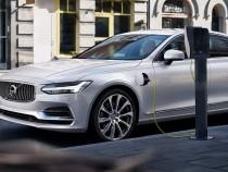 Volvo представила концептуальный автономный автомобиль