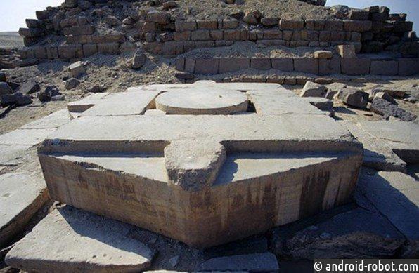 Врата старинных цивилизаций являются порталами в другие миры