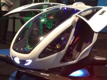 ВДубае представили первый вОАЭ беспилотный «летающий автомобиль»