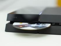 Sony продала рекордное количество консолей PS4