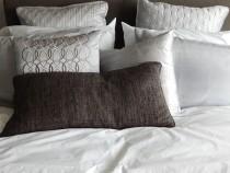 Ученые узнали нужную частоту смены постельного белья