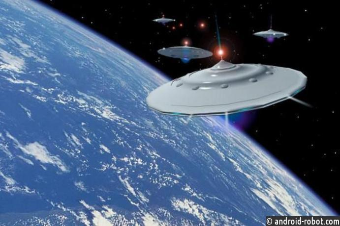 Впроцессе интервью састронавткой МКС вкосмосе неожиданно появились два НЛО