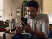 Motorola потроллила Samsung в новой рекламе