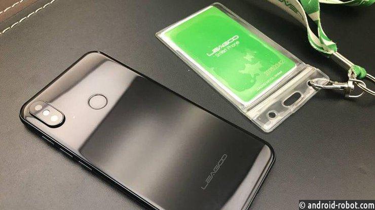 Компания Leagoo представила клона iPhone X