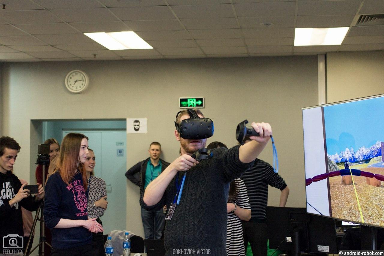 Магистранты ДВФУ разработали приложения в виртуальной реальности для заказчиков из Москвы
