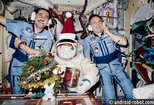 Космонавты наМКС встретят Новый год 15 раз