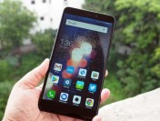Флагман Xiaomi впервый раз показали на«живом» фото