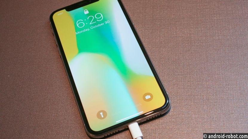 Юзеры iPhone Xпожаловались, что гаджет вырывает волосы