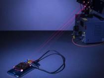 Ученые разработали лазер для беспроводной подзарядки телефона
