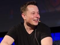Маск выкупил 33 тысячи акций компании Tesla за9,9 млн. долларов