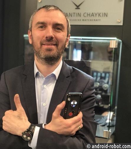 Уникальный сэт «Joker» из часов и смартфона представлен на Baselworld 2018