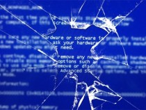 Юзеры пожаловались на«синий дисплей смерти» нановых MacBook Pro