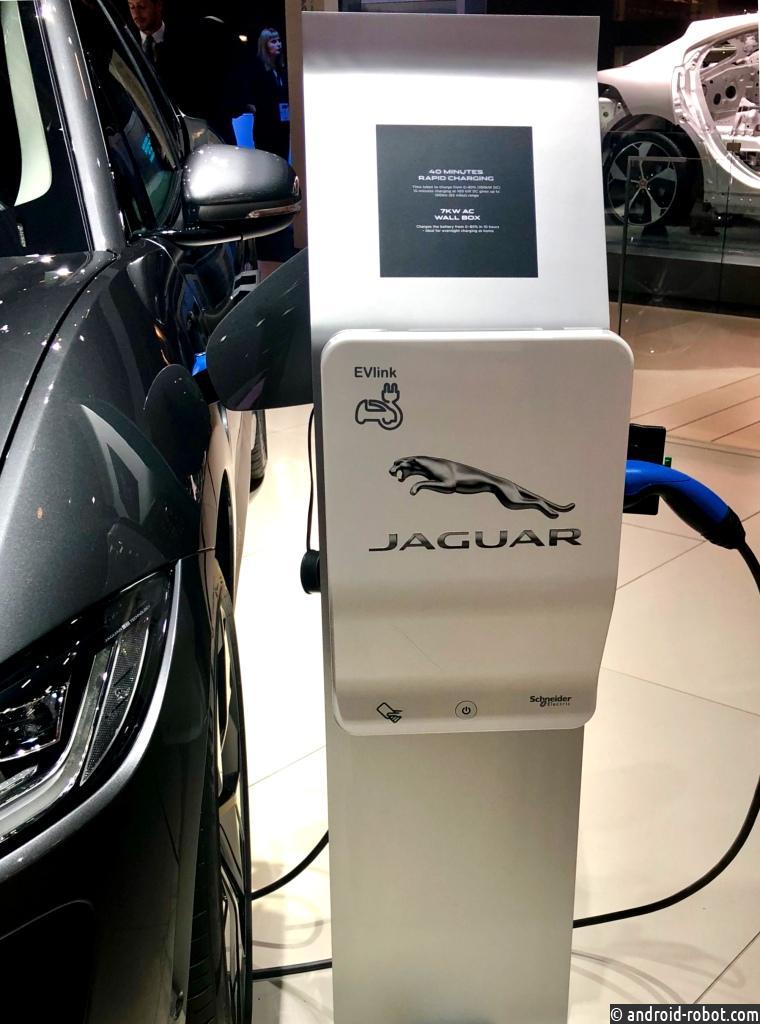 Schneider Electric объявляет о начале сотрудничества с Jaguar и Land Rover