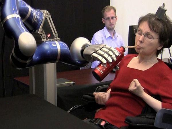управление роботом мыслью
