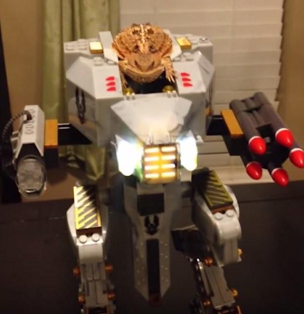 робот-ящерица
