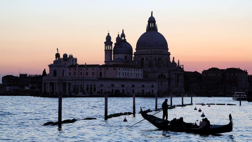 роботы изучают Венецию