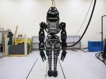 Google представила обновленного робота Atlas, который похож на терминатора