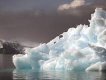 Таяние льда приводит к выбросу метана в атмосферу