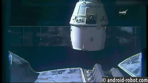 Космический корабль Dragon отстыковался отМКС
