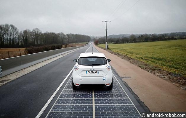 Автодорога спокрытием изсолнечных батарей