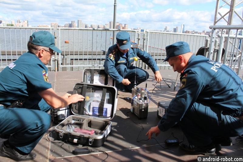Робот определяет уровень радиации
