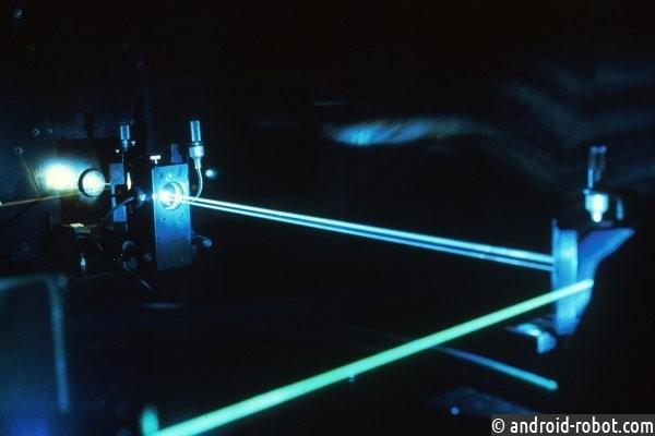 Ученые изЧехии создали самый мощнейший лазер вмире