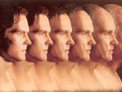 Эксперты: занимаясь только проблемой старения, мы все дальше от роста продолжительности здоровой жизни людей