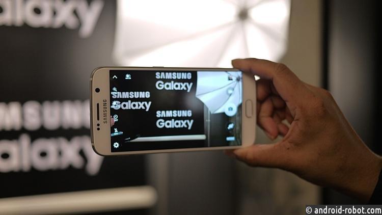 Сотрудники Самсунг намекнули надвойную камеру вGalaxy S8