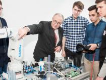 Создан промышленный робот с искусственным интеллектом