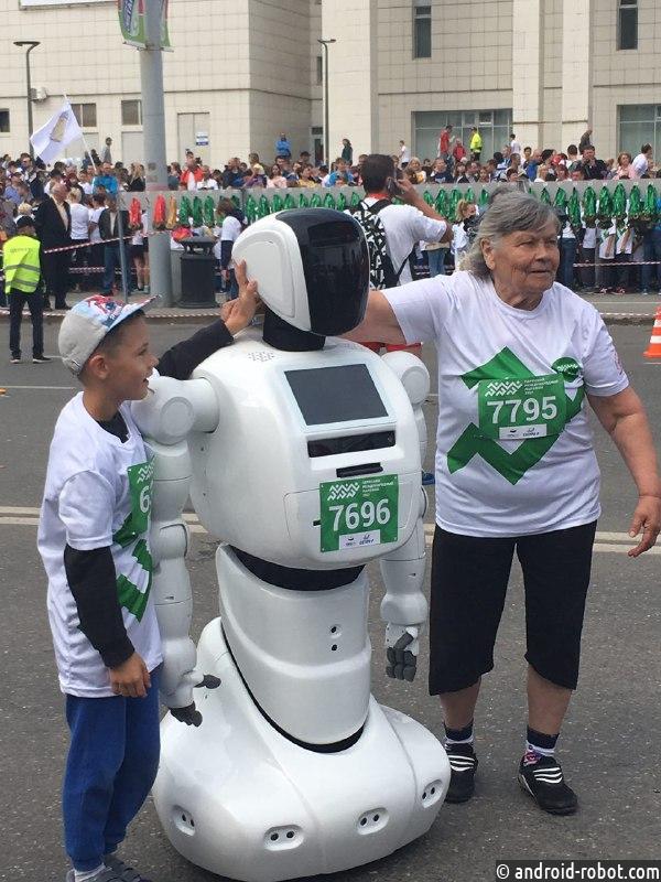 Робот впервые в мире пробежал беговой марафон