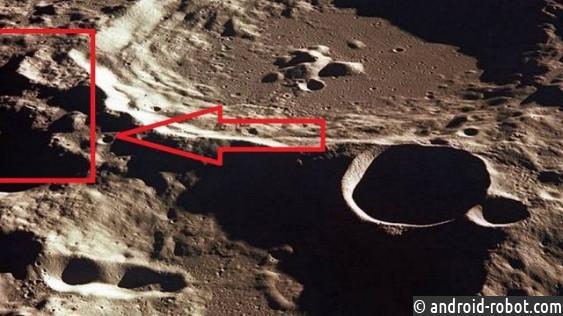 Напротивоположной стороне Луны уфологи отыскали обломки НЛО