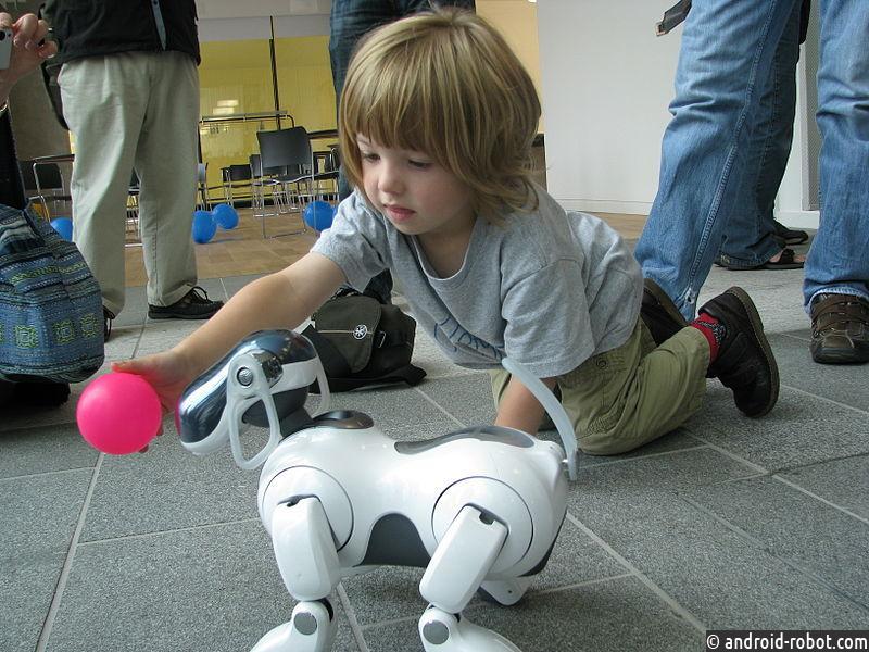 Компания Sony представит робота-собаку