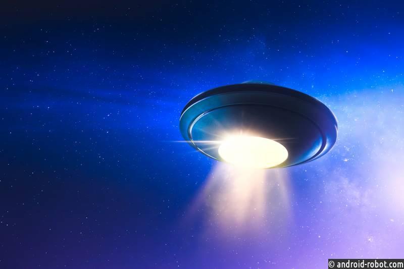 «Летающая грудь» взбудоражила Сеть: уфолог отметил НЛО странной формы