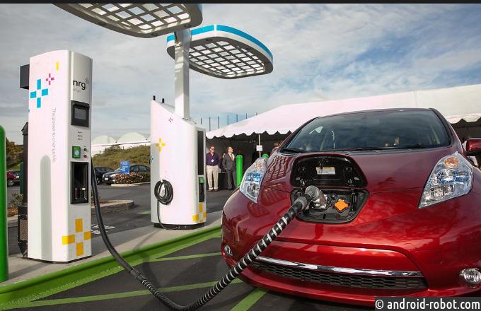 Производитель электромобилей Tesla потерял практически 620 млн долларов