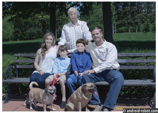 Семейная фотоссесия отредактированная вPaint поразила пользователей Сети