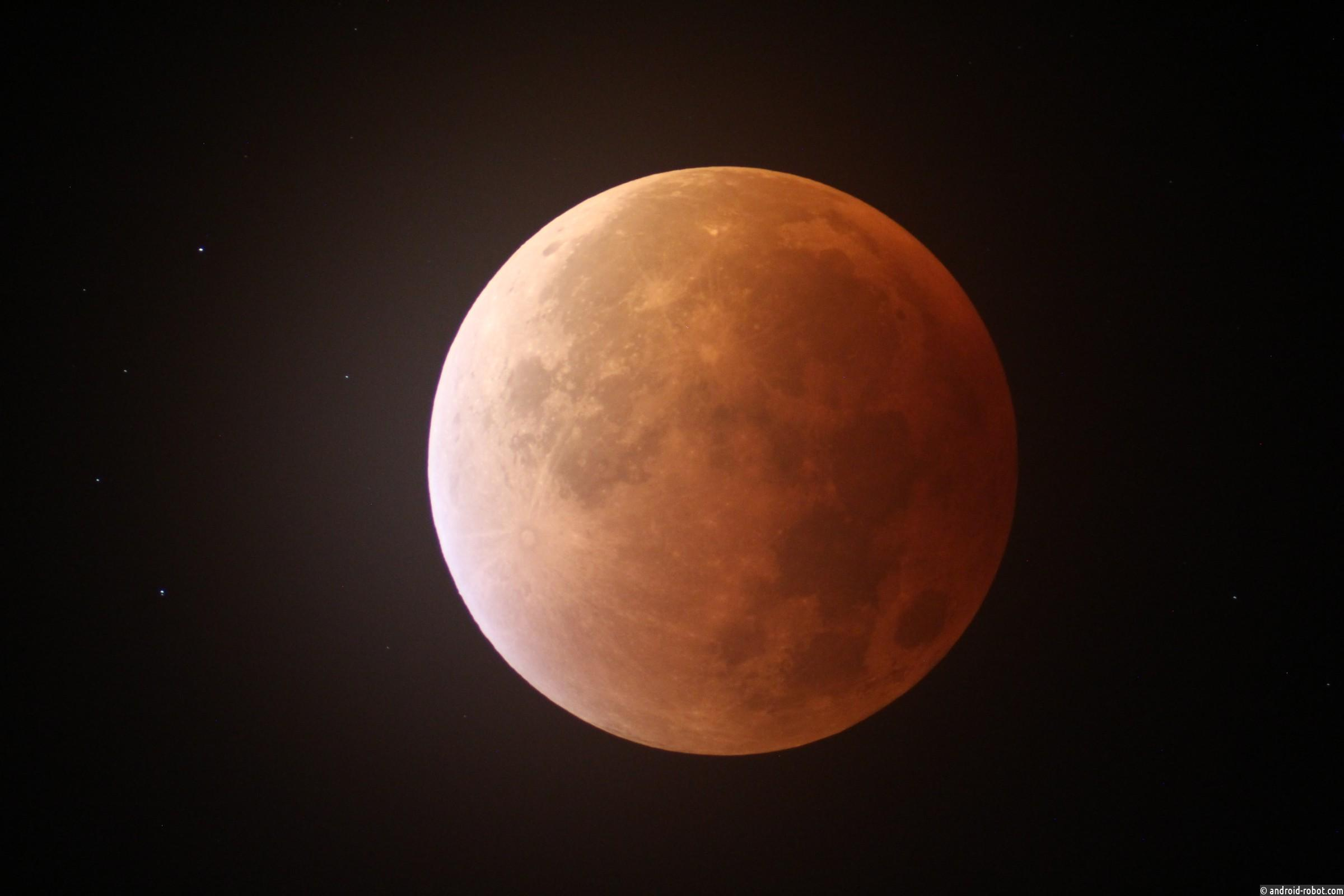 Лунное затмение вфотографиях совсего мира— Подсмотрено в Инстаграм