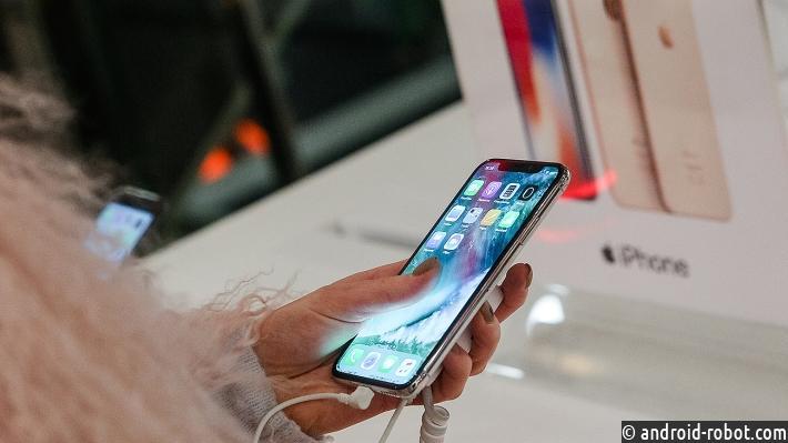 Samsung сократит производство дисплеев для Apple