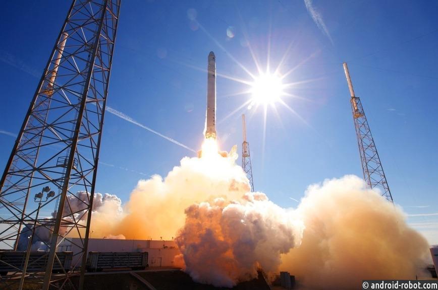 SpaceX удачно запустила ракету Falcon 9 соспутником связи