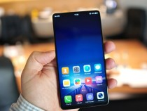 Vivo показала смартфон совстроенным в дисплей сканером отпечатков и«выскакивающей» камерой