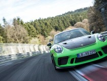 Porsche 911 GT3 RSпо«Нордшляйфе» проехал менее чем засемь минут