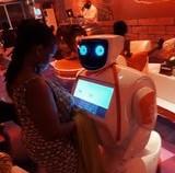 Робот Promobot доставлен в Африку