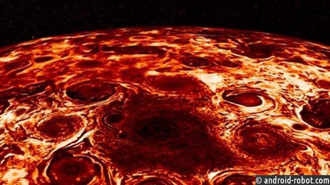 NASA афишировали видео сциклонами наСеверной полюсе Юпитера