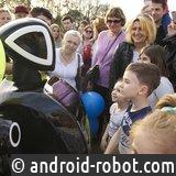 Promobot впервые возглавил парад в честь открытия сезона в Парке Горького