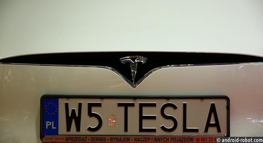 Tesla завершила квартал срекордным убытком, акции компании дешевеют