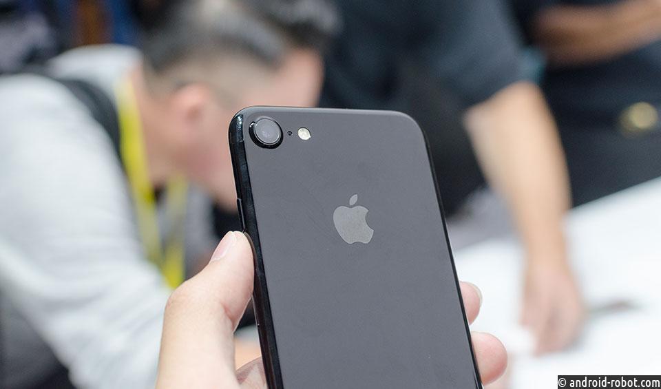 Бюджетный смартфон Apple iPhoneXR вполне может стать дефицитным