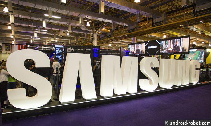 Samsung показала прототип телефона сгибким дисплеем