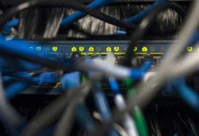 В США обвинили 8 хакеров во взломе